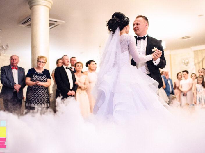 Ciężki dym na wesele Turek. Taniec w chmurach. Pierwszy taniec.